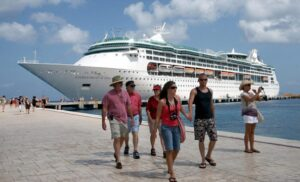 Individual Safety Precautions for Cruise Ship Travelers