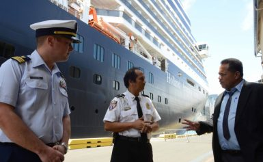 Land a Cruiseship Job With an Official Concessionaire